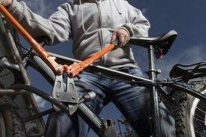 Räder sind eben keine Autos... soll man sich doch mal nciht so haben: http://radzeit.de/ungestoerte-geschaefte/#more-2494