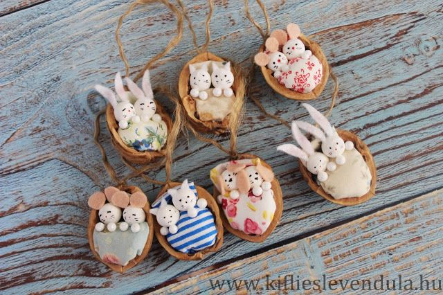 Tiny Rabbits Cats Mice And Dogs In A Walnut Shell Walnut Shell Crafts Shell Crafts Handmade Christmas