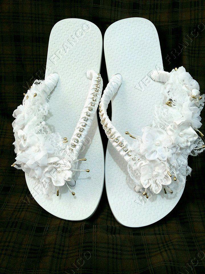 7297f0bce Chinelo noiva em renda e organza | flip flop | Chinelos decorados ...