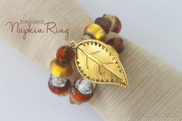 Thanksgiving Napkin Rings to Make | add a little leaf charm to make an autumn statement