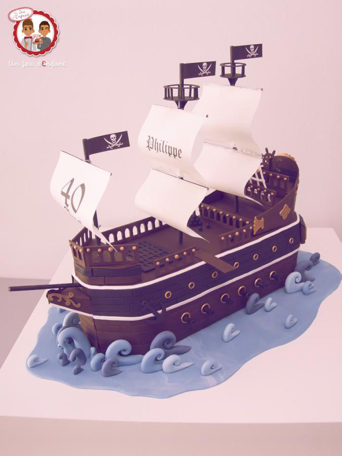 Pirates Boat Cake