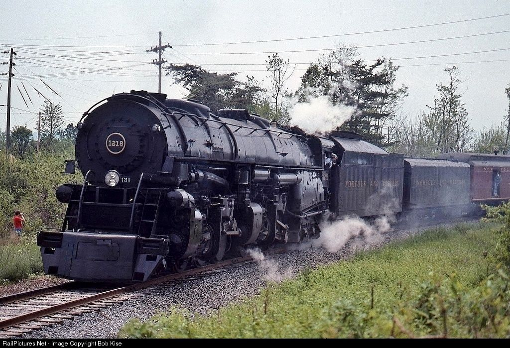 RailPictures.Net Photo: NW 1218 Norfolk & Western Steam 2-6-6-4 at Front Royal, Virginia by Bob Kise