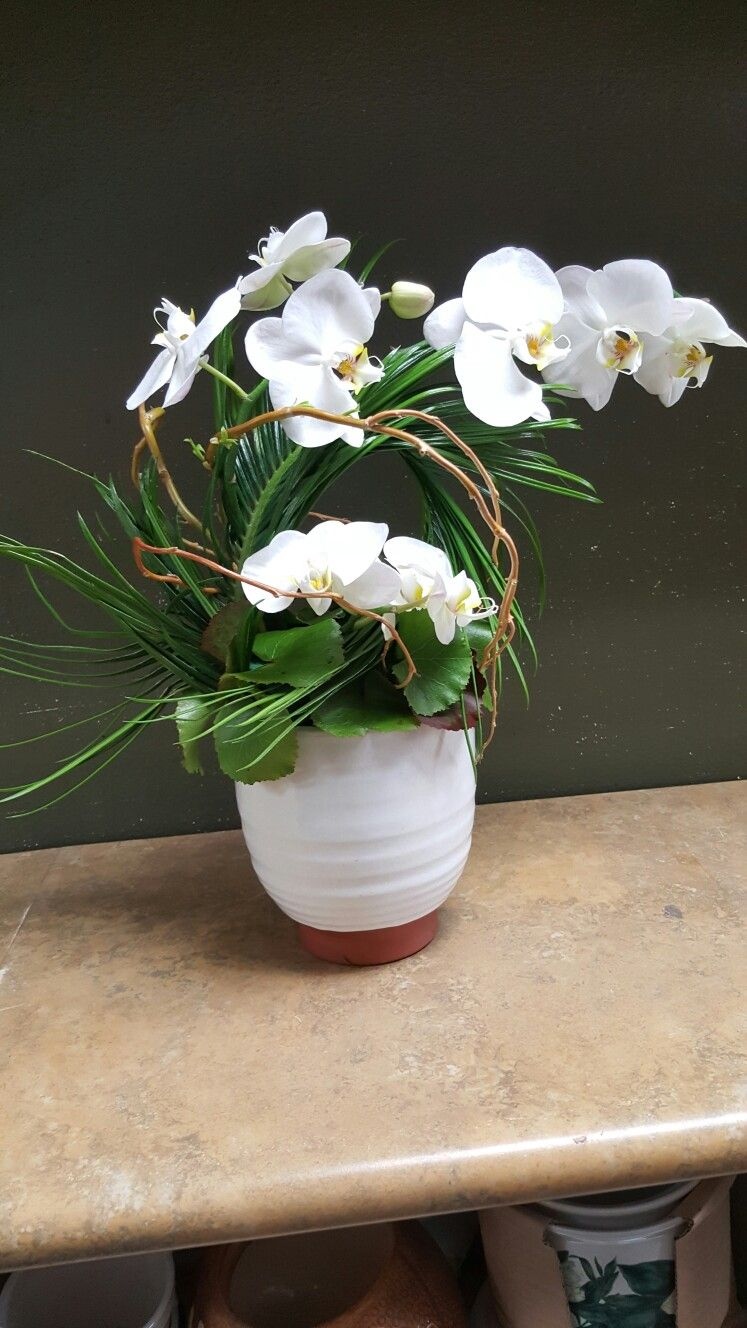 White Tropical Flower Arrangements For Wedding And Events My