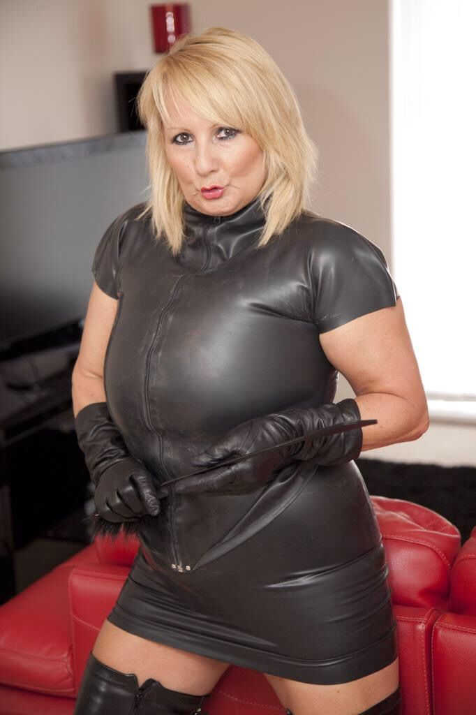 Bbw mature comes to the doctor for sex 10