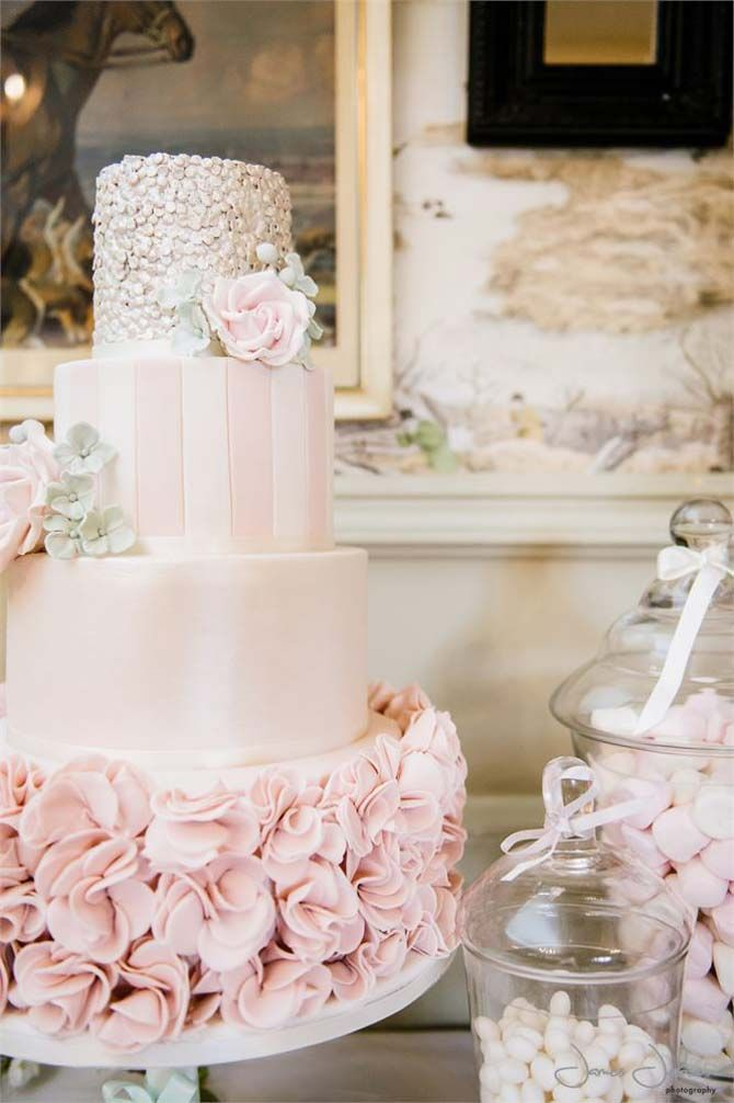 19 Unusual Wedding Cakes We Think Youll Love