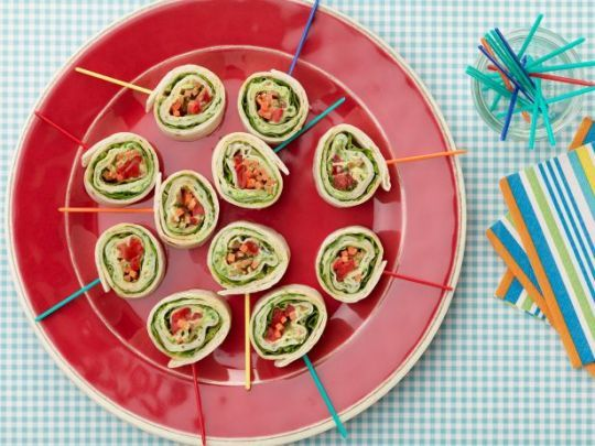 12 Sandwiches Your Kids Won't Swap in the Cafeteria Roasted Turkey and Basil Pinwheel Sandwiches