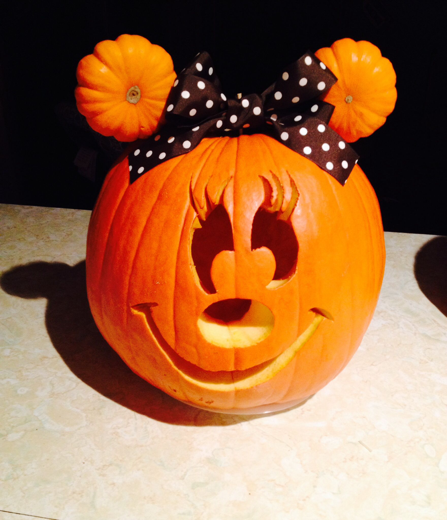Minnie Mouse Pumpkin...these are the BEST Halloween Carved ...