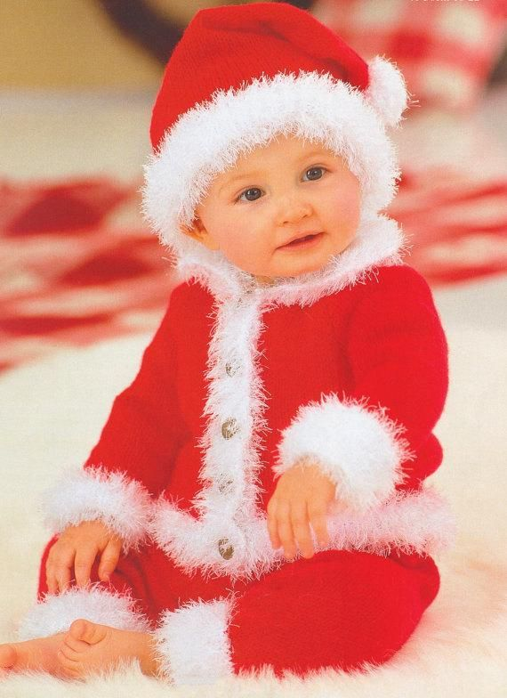 NEW HAND KNITTED XMAS SANTA BABY BOOTEES RED WHITE 0-6 MONTHS