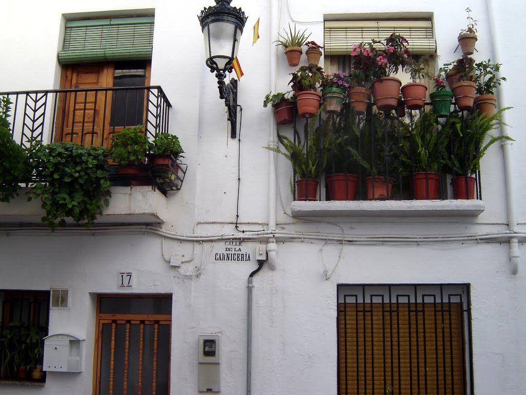 Ugíjar (Alpujarra Granada) - Calle Carnicería - photo © Robert Bovington  http://bobbovington.blogspot.com.es/