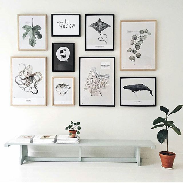 Un mur de cadres wall frames wall decoration interiordesign · wall ideasgallery
