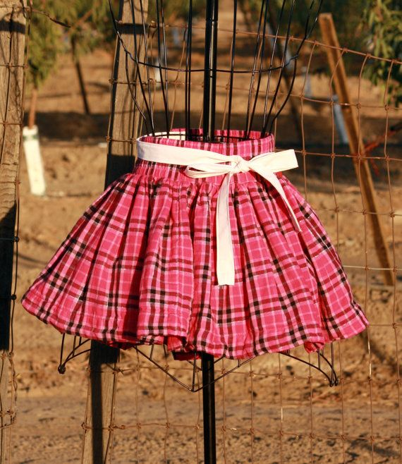 Pink Plaid Half Apron With Front Pockets by Geminivintagestore, $28.00 #plussizeapron #hostessgift #hostessapron #sustainablefashion