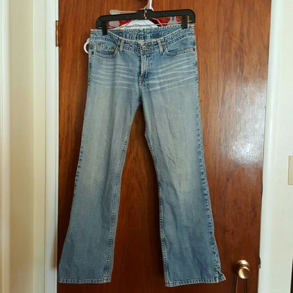 """Shop Women's Lucky Brand Blue size 26 Ankle & Cropped at a discounted price at Poshmark. Description: Well-loved Lucky Brand jeans. I think these are slightly cropped, as I'm just under 5'4"""" and they were too short to wear full length, so I always wore them cuffed. If I remember correctly they hit me about the top of my hips. 2"""" slits on the outside bottom of the straight legs. These were my favorite jeans for years, but I'll never be this small again. Size 2&#x2..."""