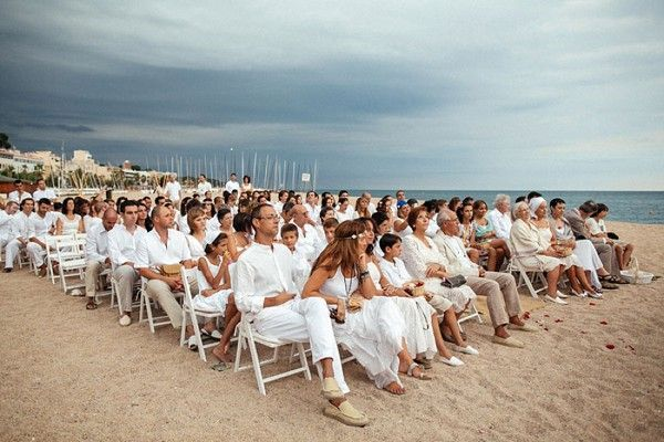 All White Beach Wedding In Spain I They Let Guests Know That Would Have A