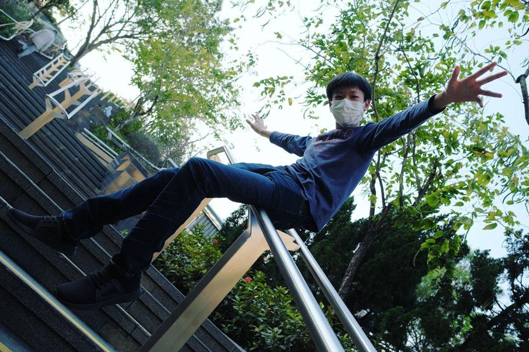 #photooftheday #photograph #photographylovers #photographyislife #photo #photographer #photos #photography #photoshoot #fujifilm #fujifilmxt3 #brother #boy #park #green #sunshine #sunshine #sunnyday #plants #stairs #beautiful