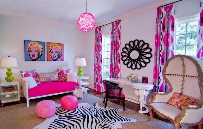 Photo of veggdesign-ungdoms soverom rosa og hvite sebra print og Merilyn monroe bakgrunnsbilde på …