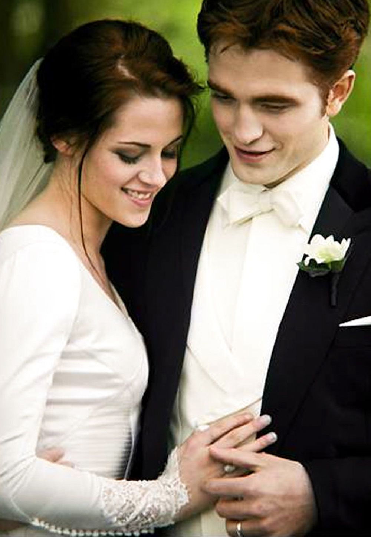 Beautiful Bella Twilight Wedding Dresses : Edward Bella Twilight ...
