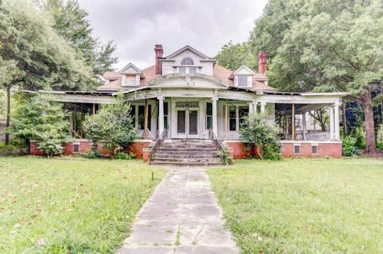 1908 Classical Revival Greenwood, MS 65,000 Old