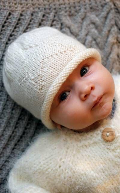 Vauvan neulottu myssy tähtikuvio novita wool tai ipana 50 g puikot 2,5 ja 3