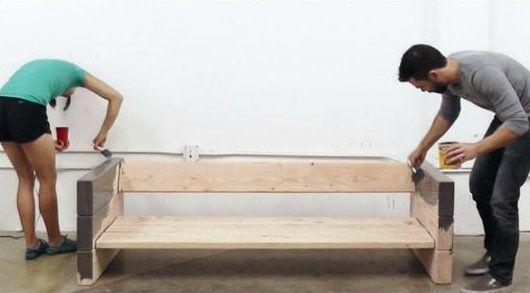 diy fabriquer un canape avec des planches de bois et des coussins