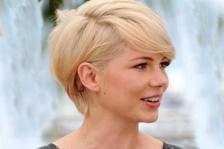 5 tagli di capelli per viso tondo