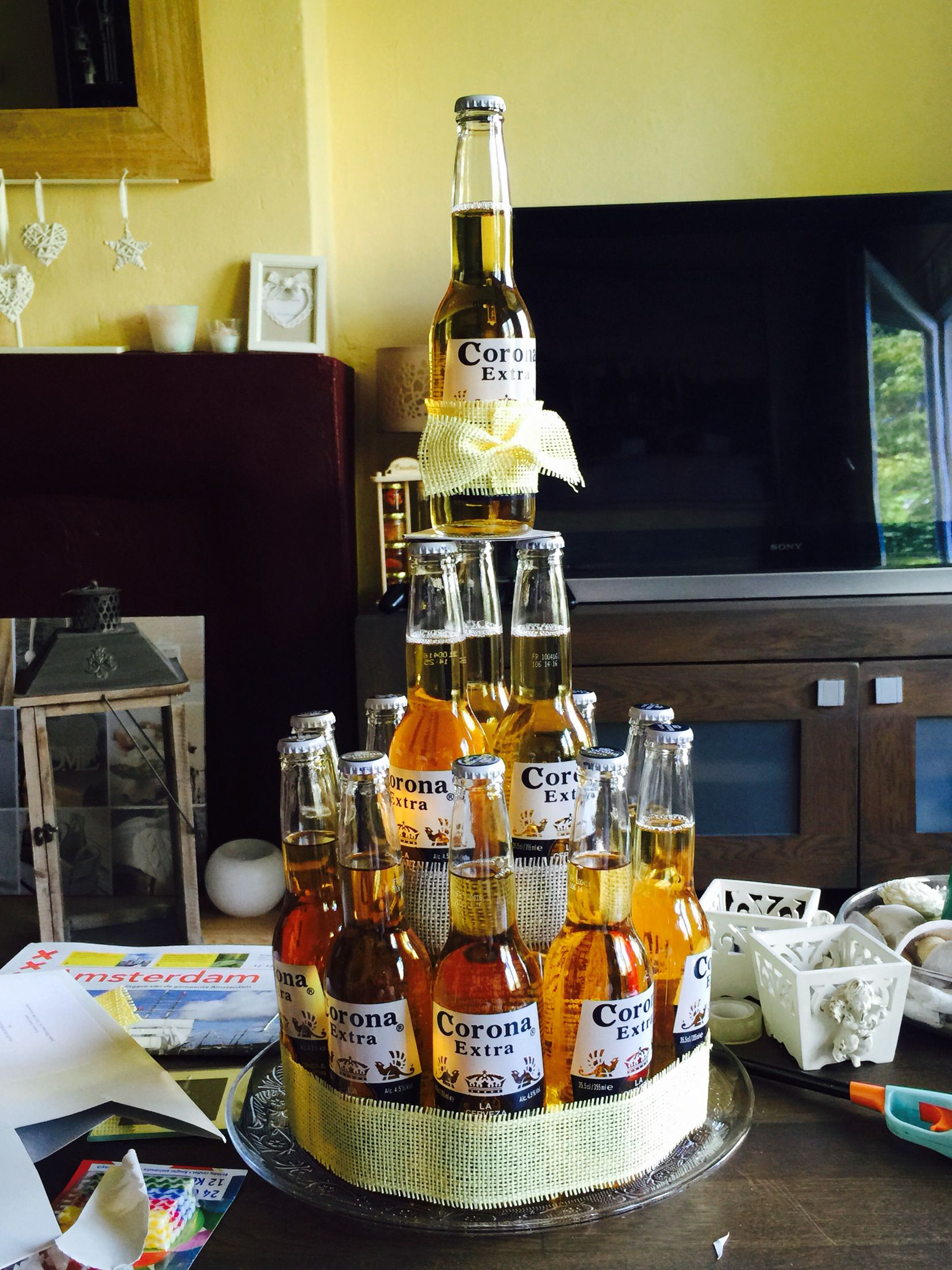 corona beer bottle cake eigen pinterest beer bottle cake corona beer and beer bottles. Black Bedroom Furniture Sets. Home Design Ideas