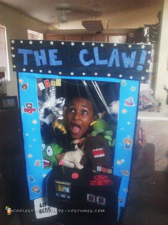 Cool Homemade Crane Machine Costume – The Claw