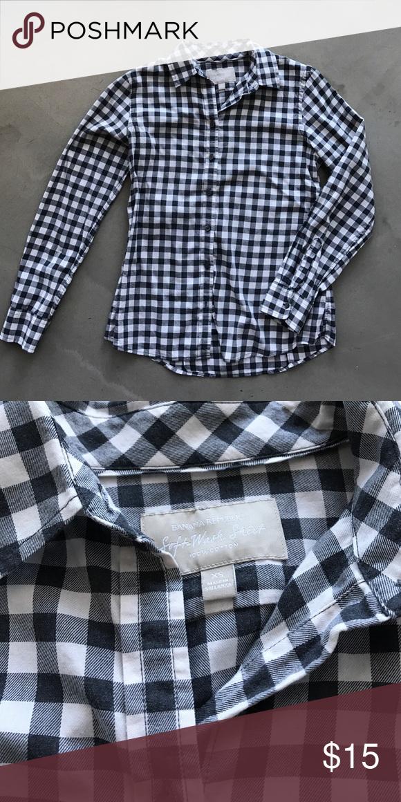 Banana Republic Grey Checked Button Down Great shirt, worn a few times! 100% cotton, soft wash shirt fit. Grey and white checked. Banana Republic Tops Button Down Shirts