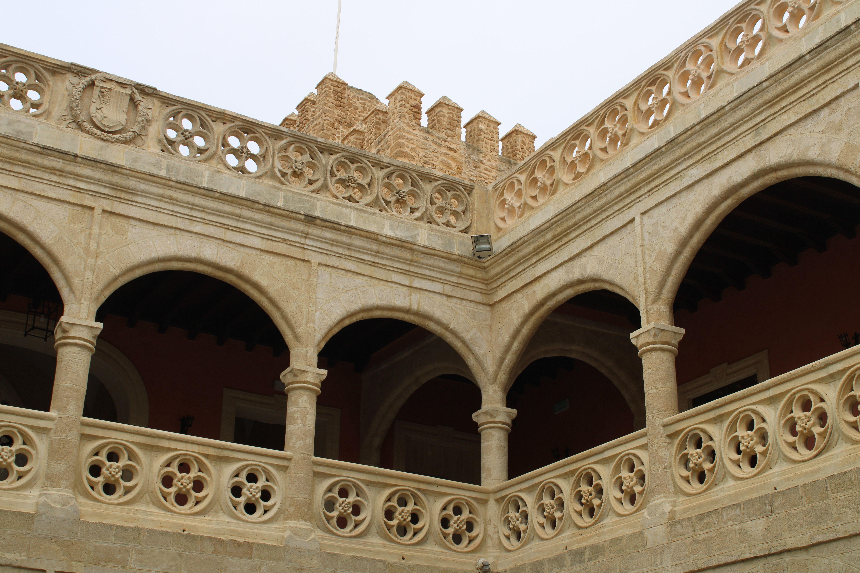 castillo de Luna, piso superior con la torre al fondo