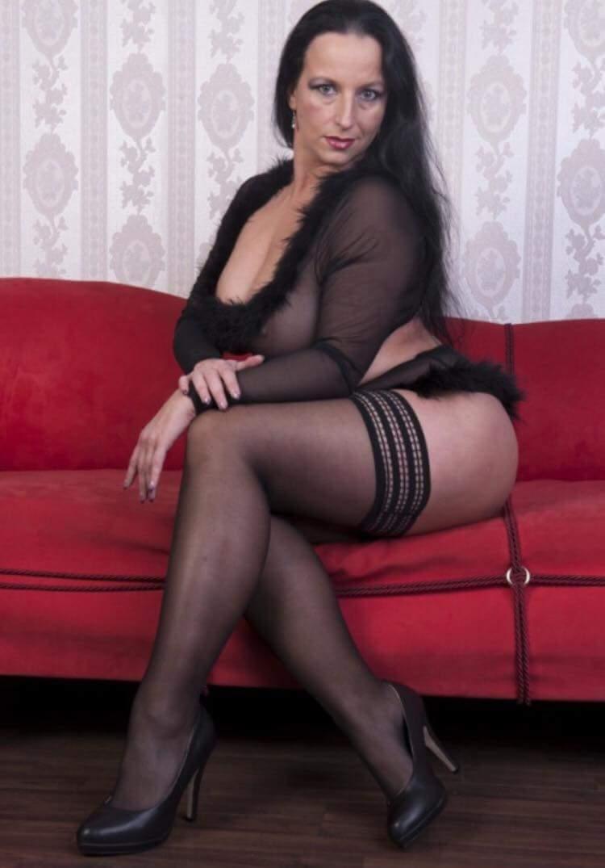 Sexy mature in heels