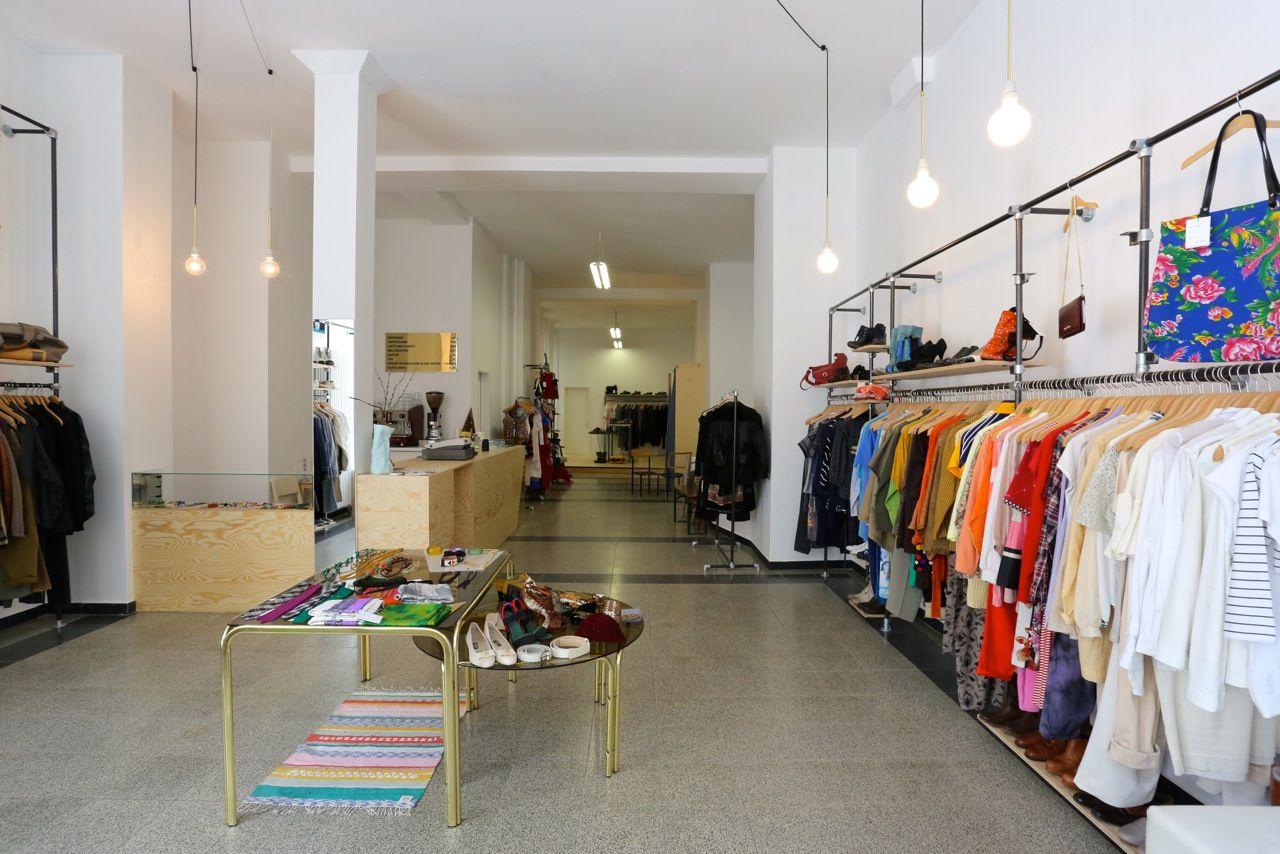 Nice STORE DESIGN Vintage Secondhand shop Berlin Kreuzberg