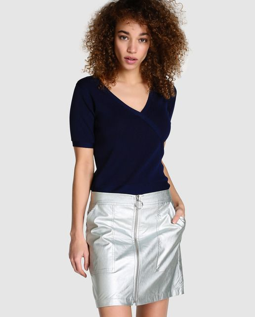 fe11d642b410 Falda de mujer Fórmula Joven laminada en color plata · Fórmula Joven · Moda  · El Corte Inglés