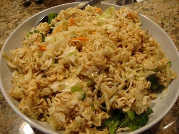 RAMEN NOODLE SALAD...So EASY and DELICIOUS! Great for parties!