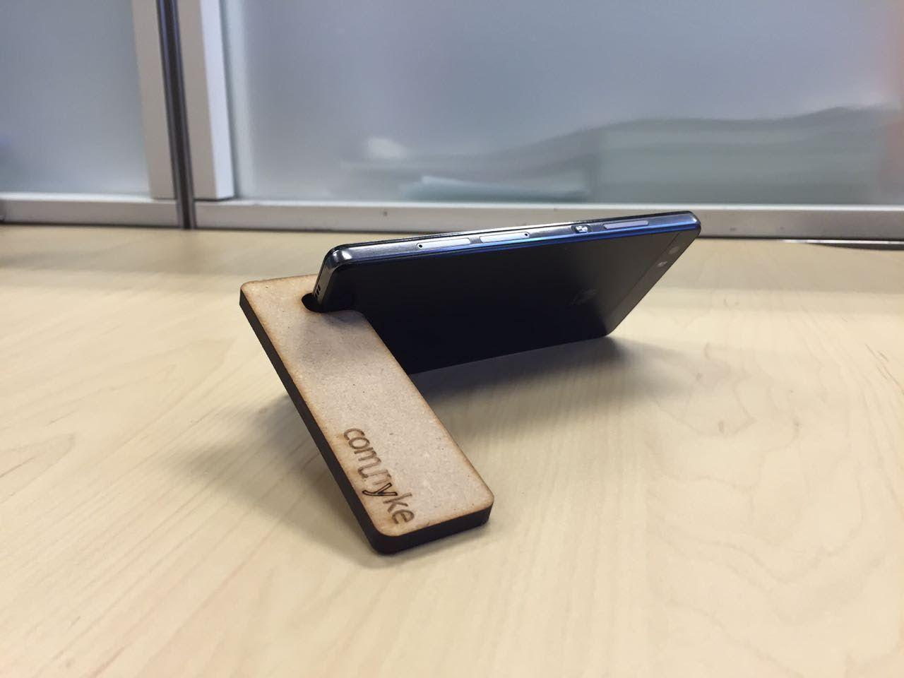 Porta-móvil lateral