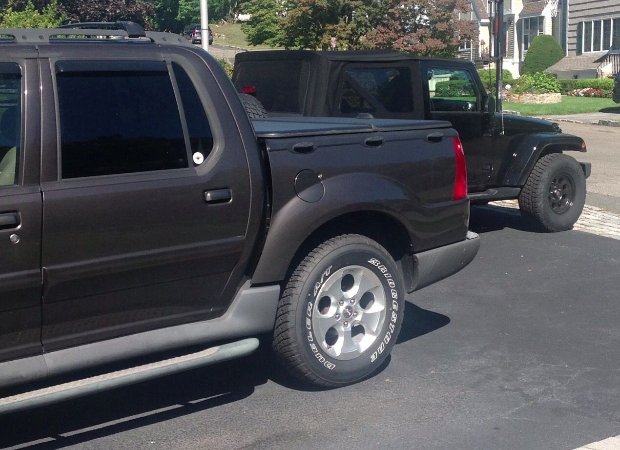 2005 Ford Sport Trac with 2013 Jeep rims and tires