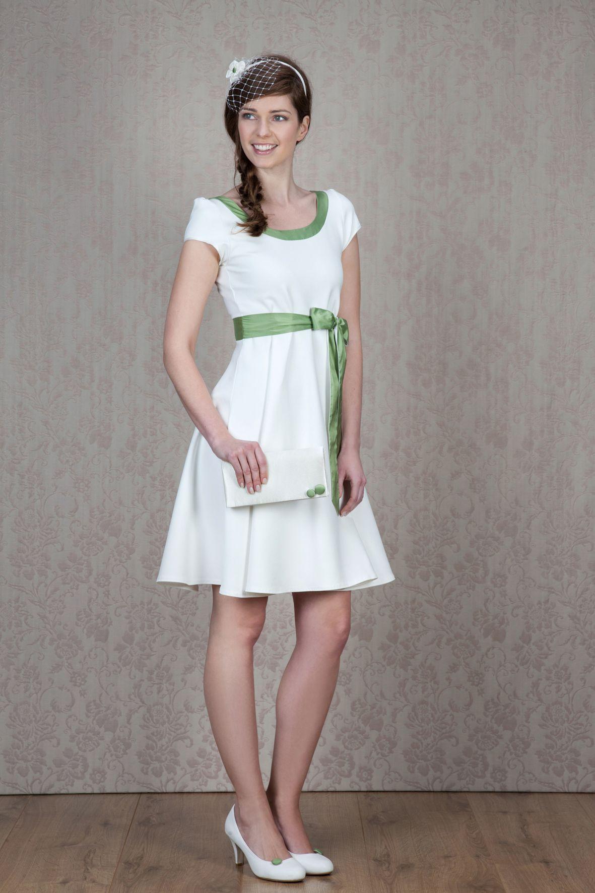 Labude - Kurzes Brautkleid Livia mit grün Standesamtkleid Schlichtes ...