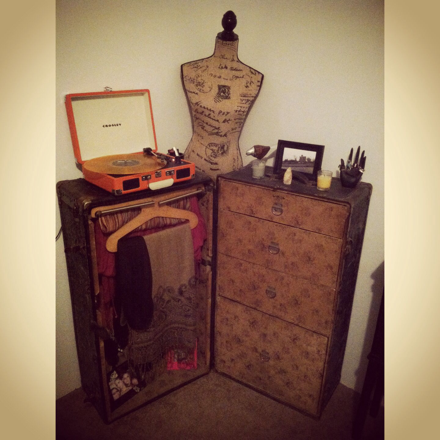 Turntable vintage mannequin steampunk steamer trunk records home ...