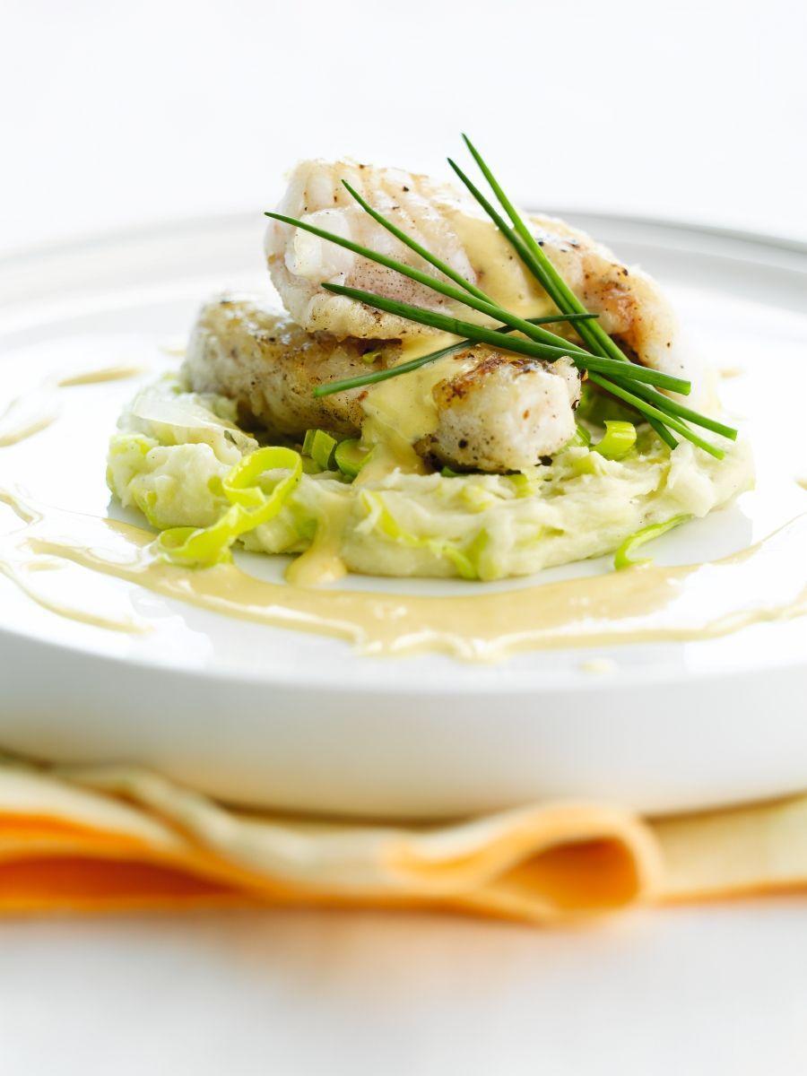 """Het lekkerste recept voor """"Staartvis met preipuree en mousseline"""" vind je bij njam! Ontdek nu meer dan duizenden smakelijke njam!-recepten voor alledaags kookplezier!"""