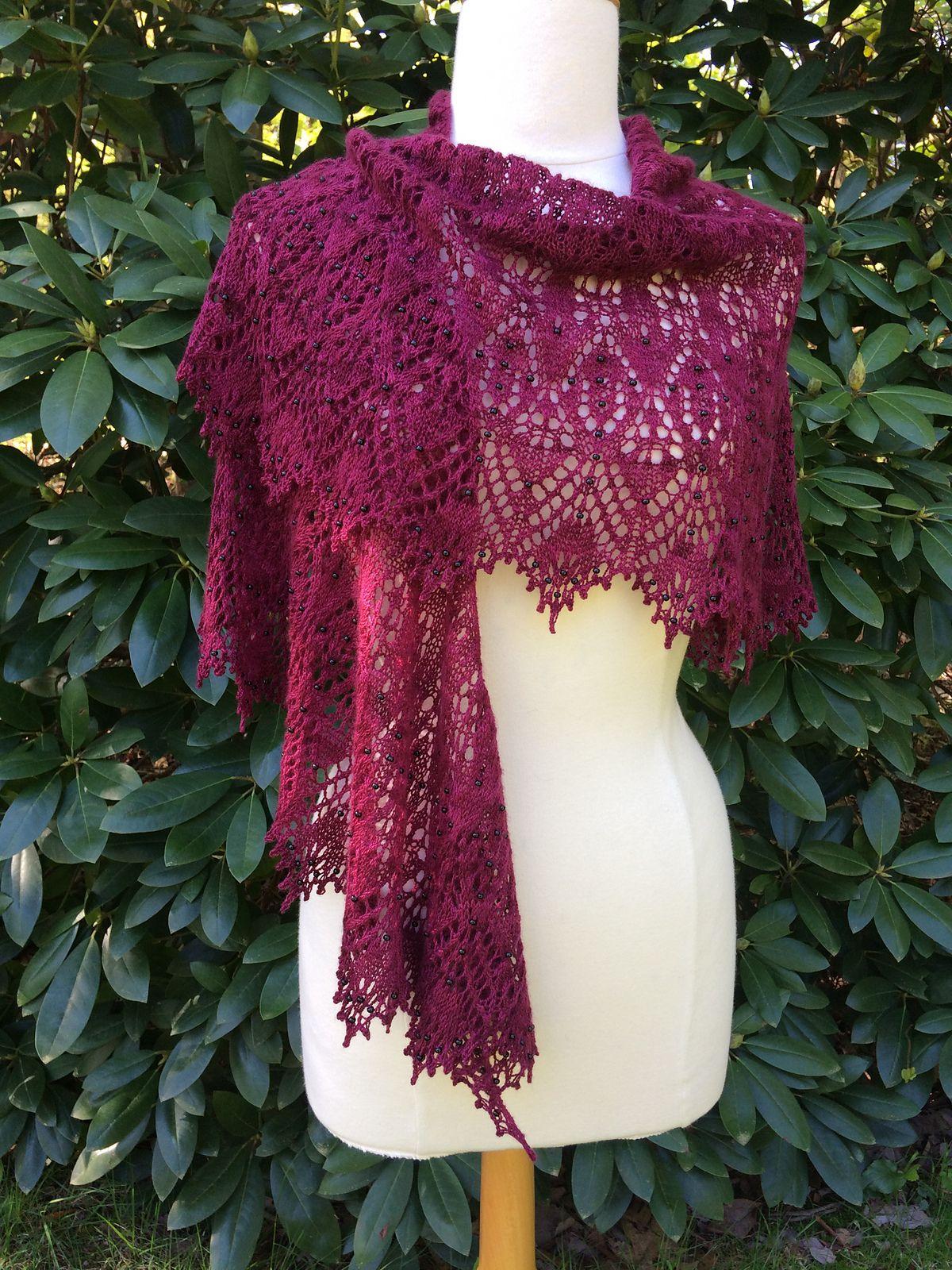 Le Strange pattern by Boo Knits | Crochet wrap pattern ...