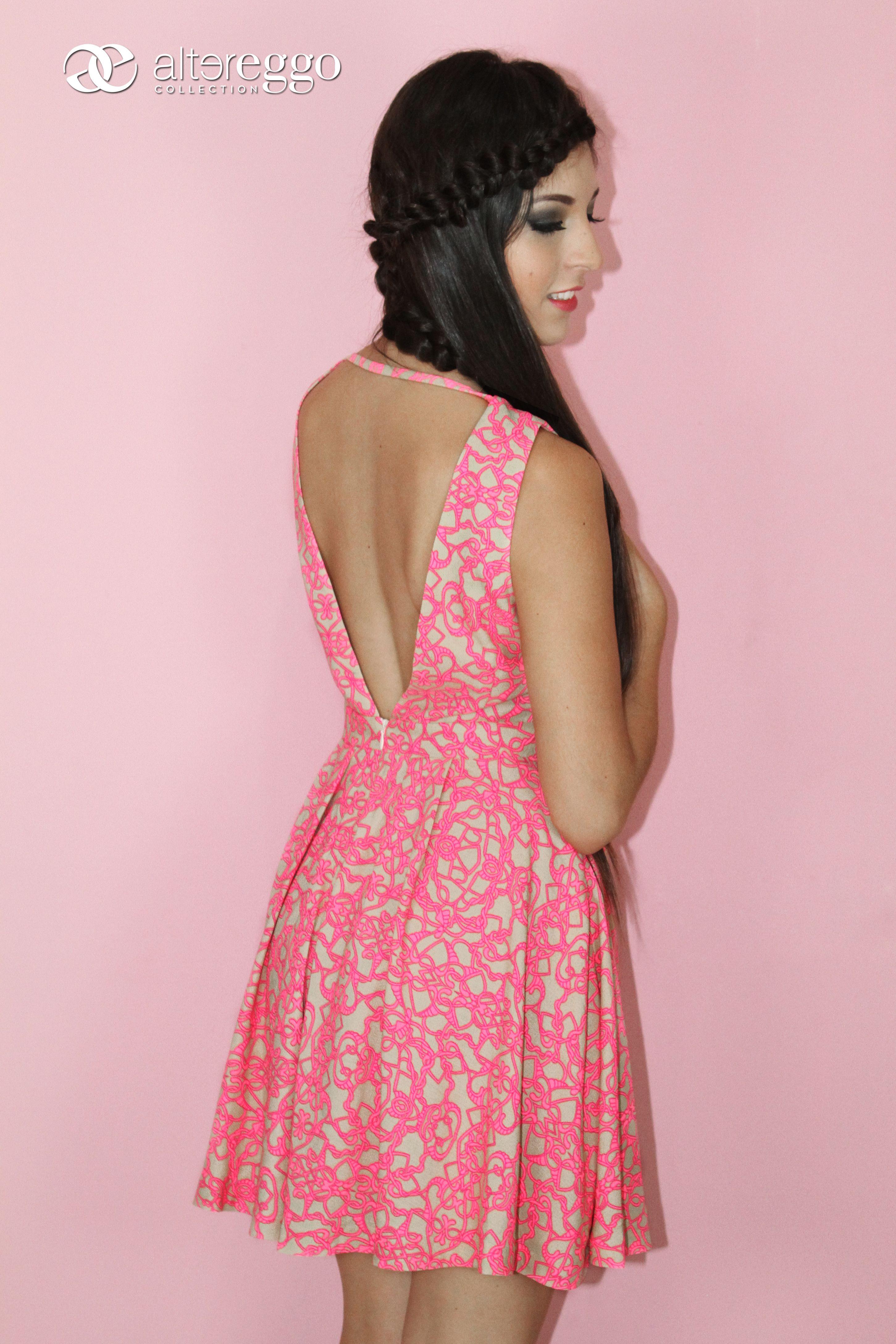 Vestido #corto #vuelo #estampado #rosa #escote #espalda | Diseños ...
