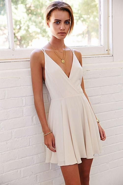 Description Details Shipping Size Guide Wearing Tommy Chow S Collections Is Like Taking A Ma Short Summer Dresses Dresses For Graduation Ceremony Short Dresses