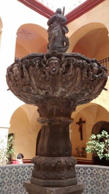 Fuente, convento de la Santa Cruz de los Milagros, Qro. Mex.