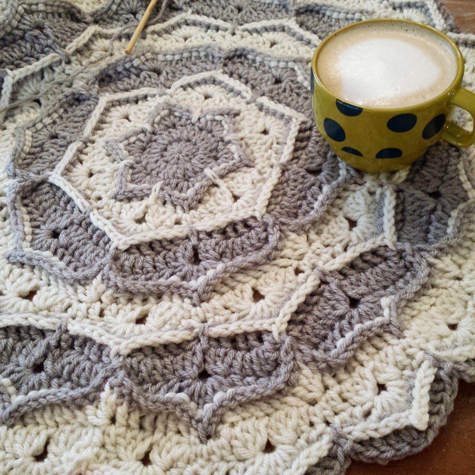 Concentric Circles Crochet Blanket   Knit Picks   Pinterest   Cobija ...