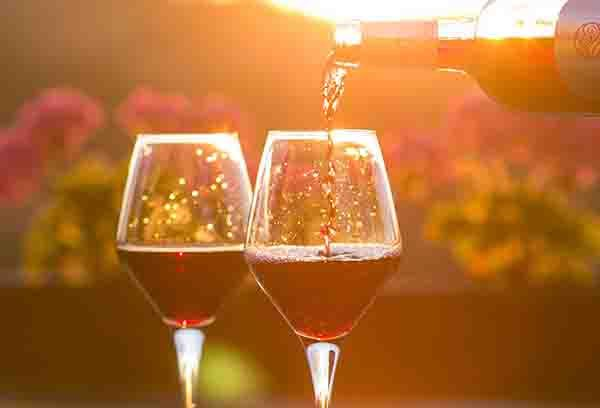 %TITTLE% - Wine is the perfect beverage to serve during the holidays. Utilize the advice in this piece to select great wines that pair well with your menus. Pinot Grigio is a natural partner to a seafood meal. A good wine will enhance your dining experience. There are other varieties of white wines that... - https://cookic.com/good-solid-advice-about-wine-that-anyone-can-use.html
