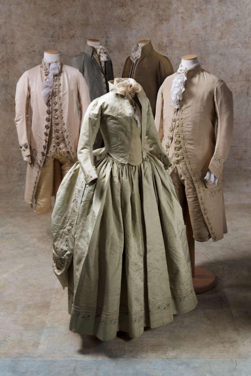Vestiti Eleganti Originali.Vestiti Originali Del 1700 Della Collezione Sartoria Tirelli