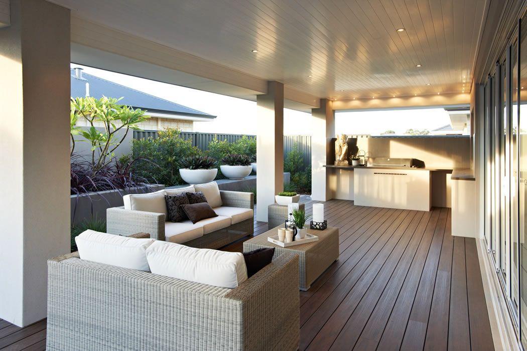 magnifique terrasse couverte avec coin pour le barbecue ideas for the house pinterest. Black Bedroom Furniture Sets. Home Design Ideas
