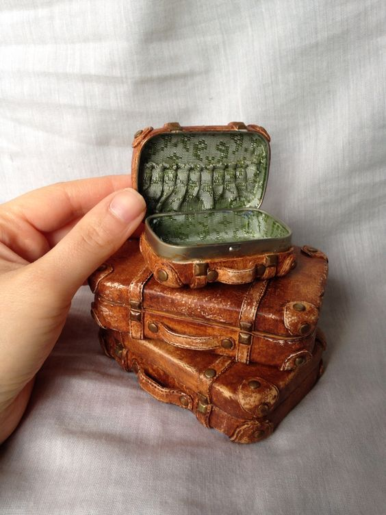 dollhouse miniature vintage suitcase altoids box