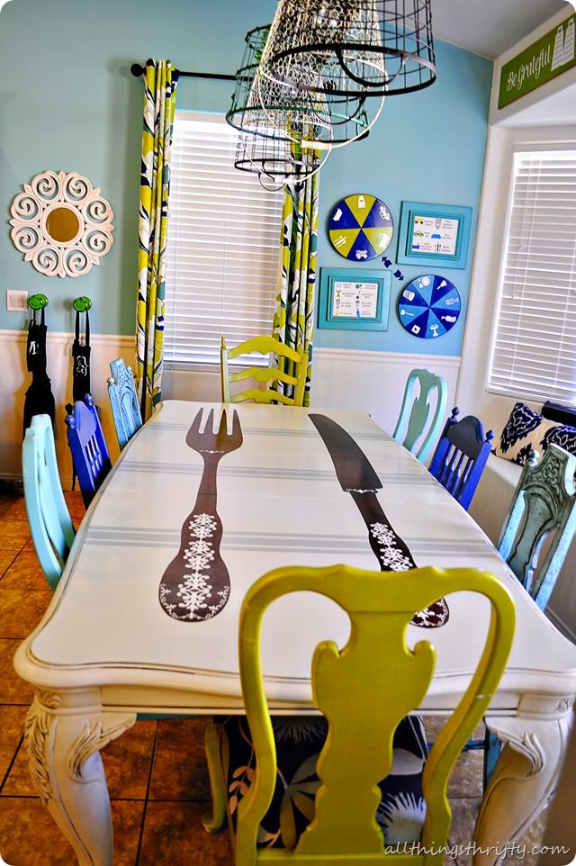 Good DIY Dining Table And Chairs Makeover  Tutorials! What A Fun Mix Of Chair  Styles U0026 Colors. Now Thatu0027s A Cheerful Room!