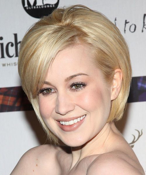 Kellie Pickler Haircuts: Kellie Pickler Short Straight Formal Layered Bob Hairstyle