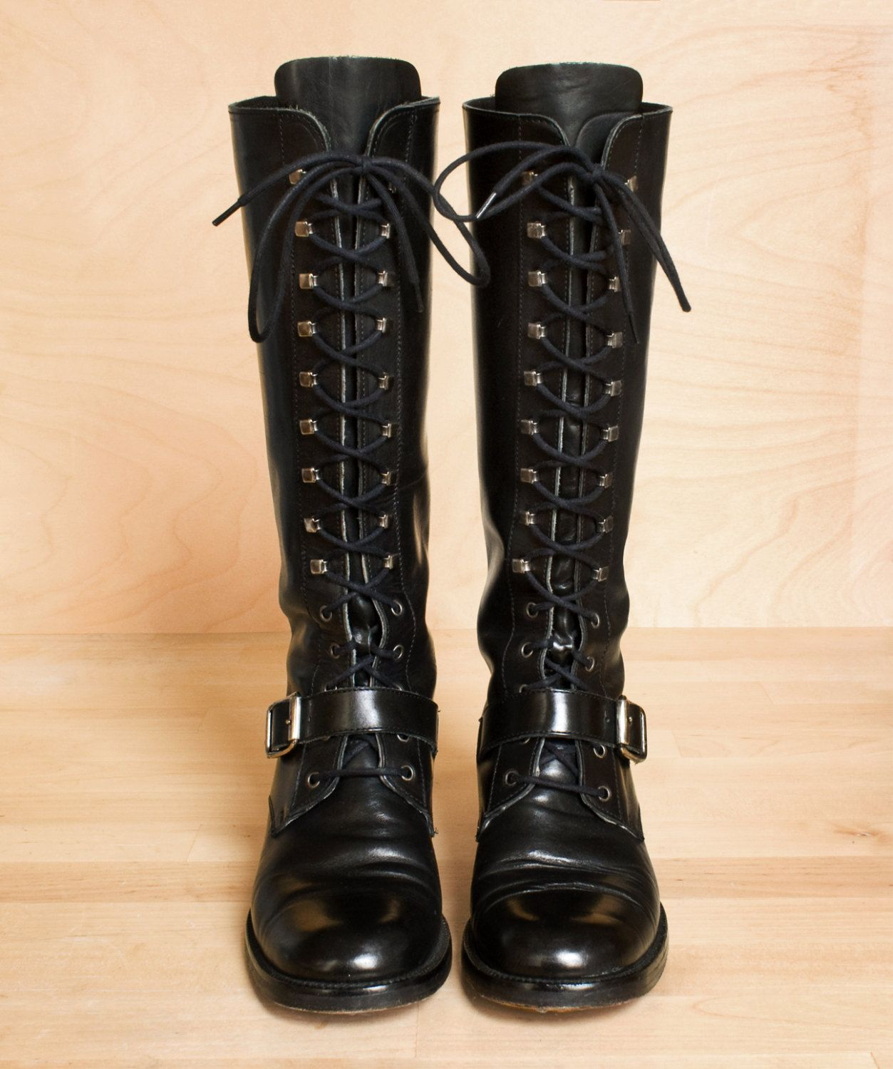 tall boots / lace up boots