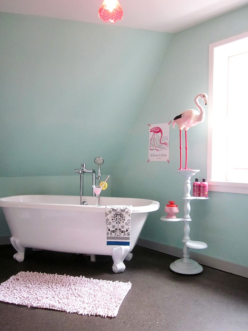 flamingo bathroom #home #bathroom #deco | home // bathroom | pinterest